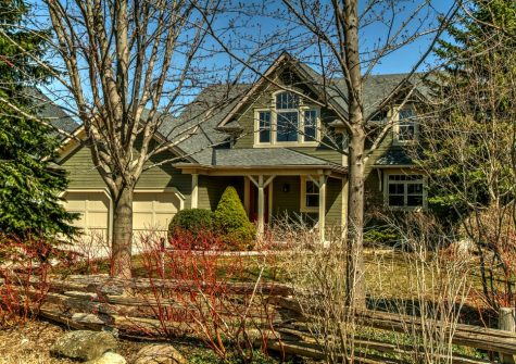 115 Cortina Cres., The Blue Mountains